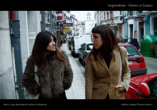 Ana-y-Lara-discutiendo-sobre-el-proyecto-web