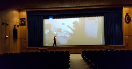 Irma ensayando presentacion
